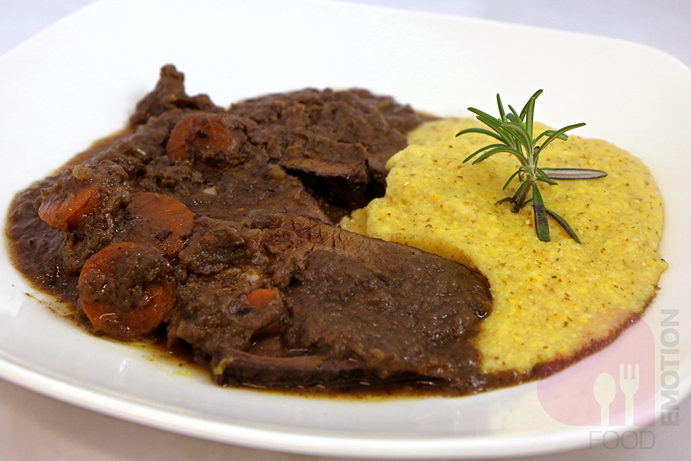 Braised beef cooked in the old way, with polenta