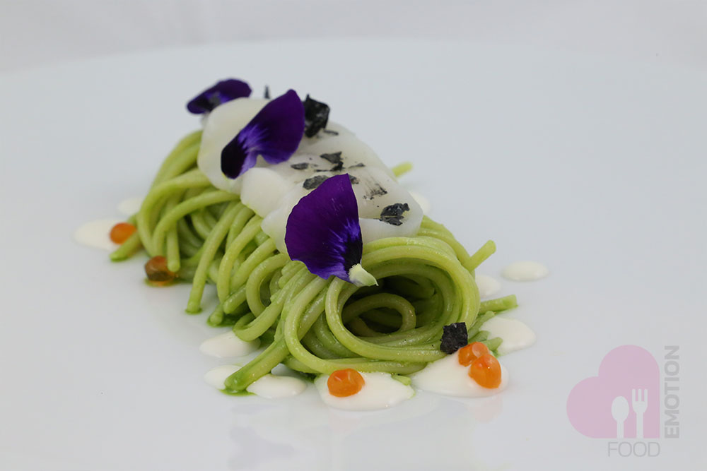 Spaghetti of kamut with Pesto of lettuce