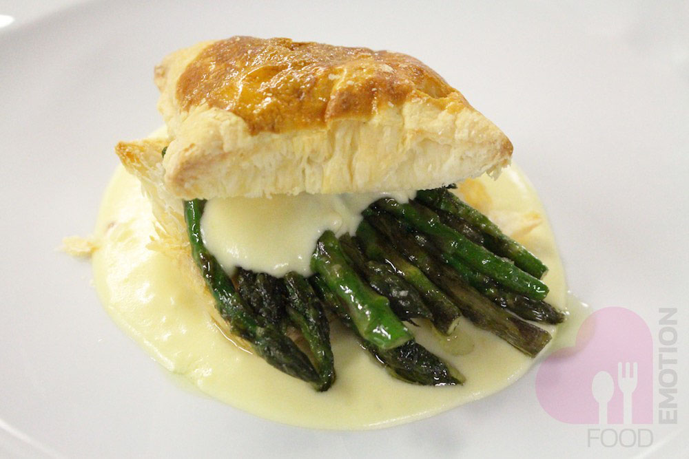 Crunchy puff with bitto cheese and crispy asparagus