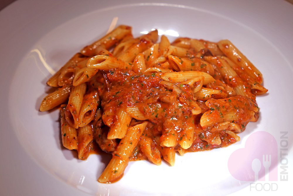 Penne with duck and Porcini mushrooms sauce